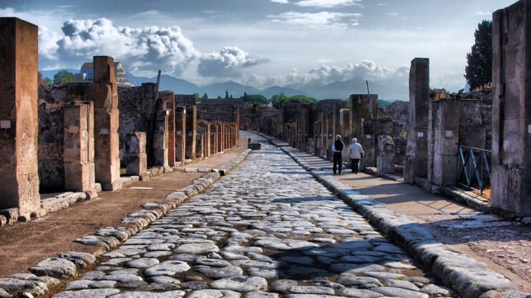 2000-year-old Roman Kerbs in Pompeii